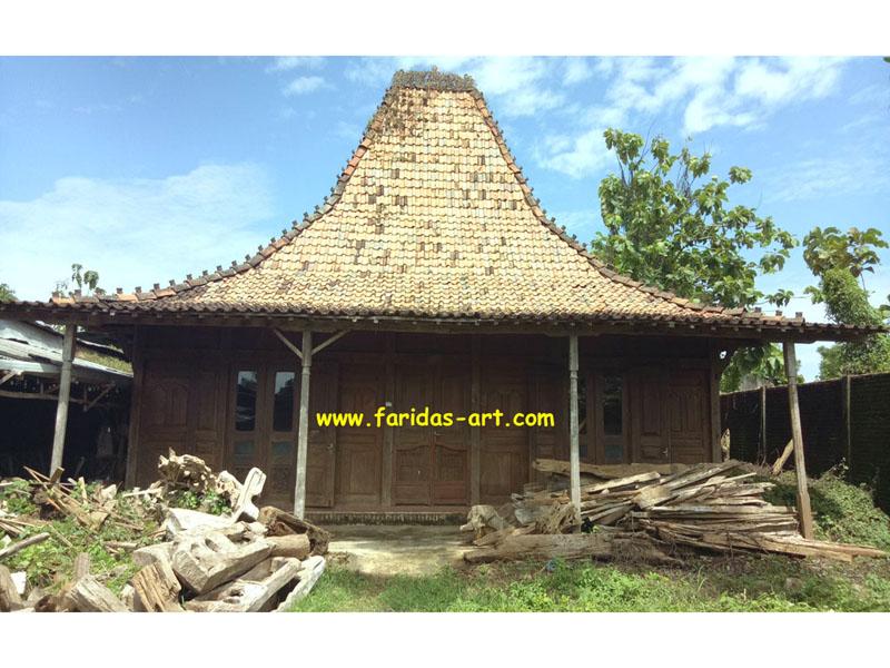 Rumah Joglo Adat Jawa