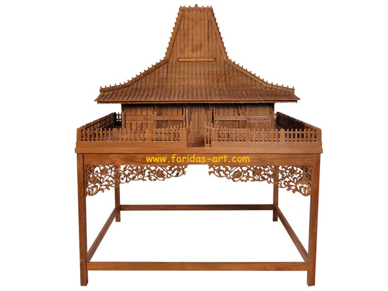 Miniatur Rumah Joglo-Kudusan