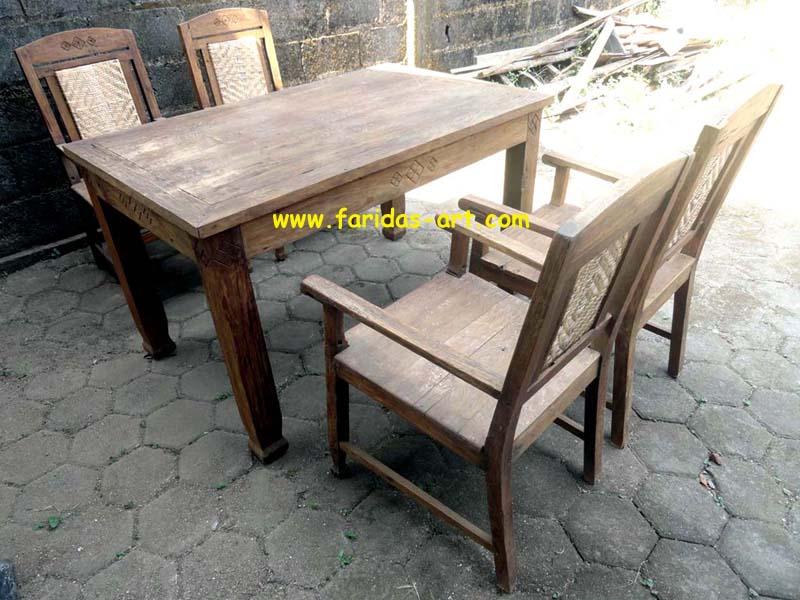 Meja Makan Set - Jawa